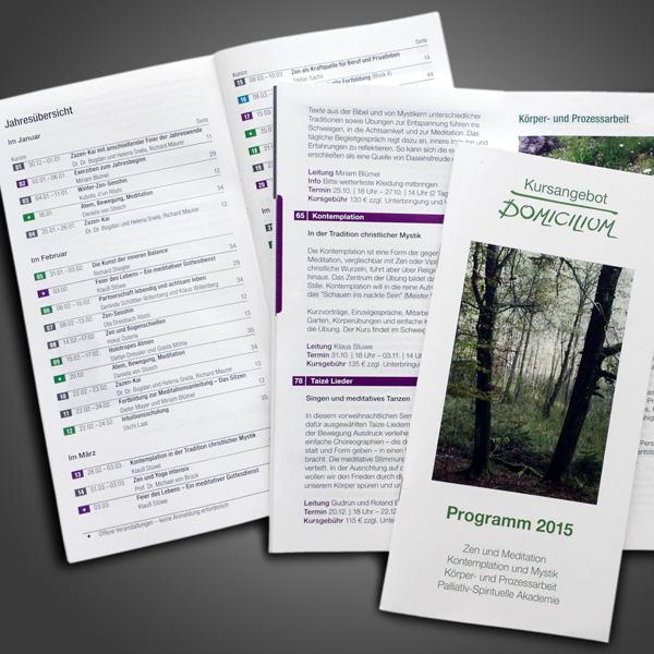 Referenz von su-pr-design: Domicilium – Gestaltung und Satz von Jahresprogramm